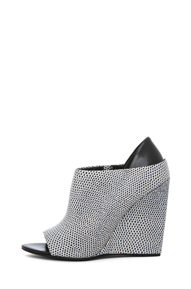 ALEXANDER WANG | Alla Lizard Print Wedge in Black & White