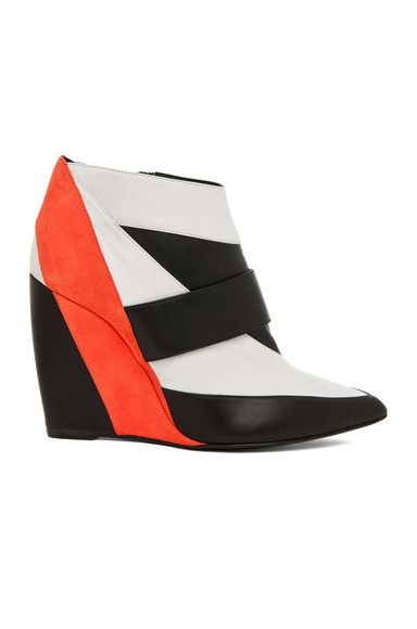 PIERRE HARDY | Calfskin & Nappa Leather Colorblock Wedges in Trico