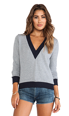 19 4t V-Neck Sweater in Navy