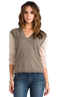 Autumn Cashmere Color Block Boyfriend V-Neck Pullover in Rye/Sandpaper/Flash