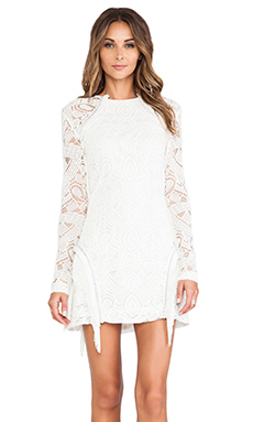 Alexis Darya Fringe Detail Dress en White Lace