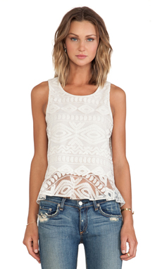 Alexis Santorini Ruffled Lace Tank en Sandy Abstract