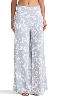 Jack By BB Dakota Alonda Rose Printed Pants in Storm Grey