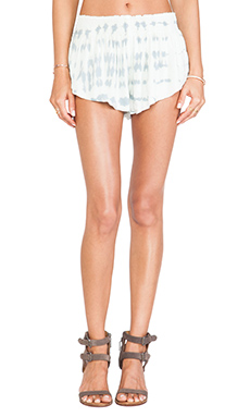 Blue Life Beach Bunny Short in Light Blue & White Ripple