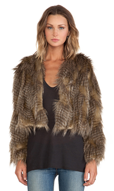 BSABLE Lauren Faux Fur Jacket en Golden Feather