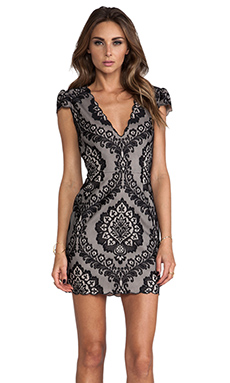 Dolce Vita Bellissa Dress in Black & Nude