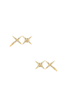 Elizabeth and James Vida Ear Cuff in Yellow Gold