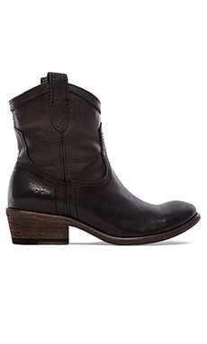 Frye Carson Shortie Boot in Black