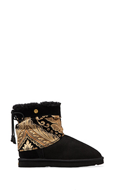 Koolaburra Alesta Boot with Wool and Twinface Sheepskin in Black Tapestry