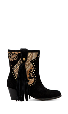 Koolaburra Bestie Boot in Black Tapestry