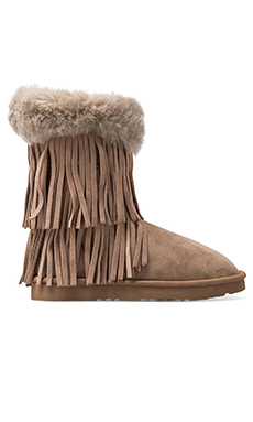Koolaburra Haley II Boots with Twinface Sheepskin in Seta