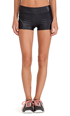 koral activewear Challenger Shorts in Black