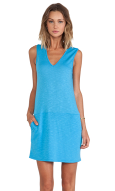 Lanston Pocket Sheath Dress en Bleu Glacé