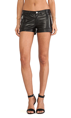 LaMarque Karlie Shorts in Black