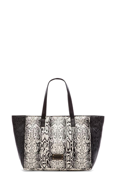 Marc by Marc Jacobs Here's the T Snake Colorblocked Tote en Lily Flower Multi
