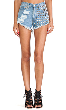 RUNWAYDREAMZ 902 Stone Cheeky Short in Stone Wash