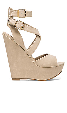 Steve Madden Xfoliate Wedge in Stone