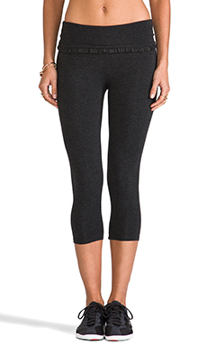 SOLOW Ruffle Crop Legging in Heather Charcoal