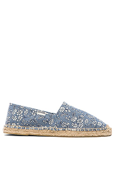 Soludos Denim Flowers Flat in Blue