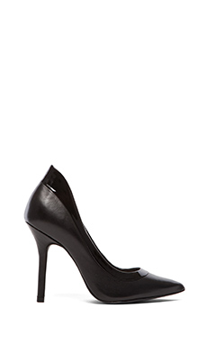 Steven Afterdark Pump in Black