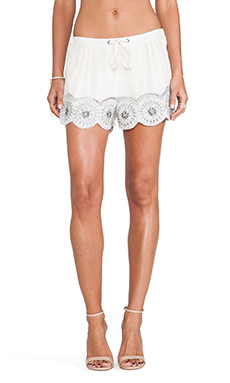 Tularosa Simone Embroidered Short en Ivoire