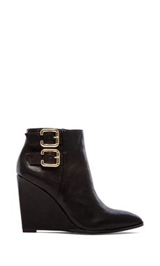 Vince Camuto Karmel Wedge in Black